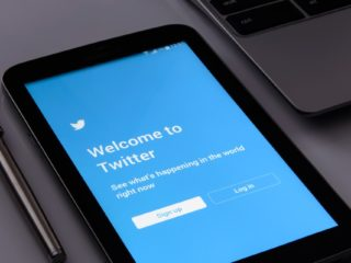 Twitter restricts who can reply to your tweets