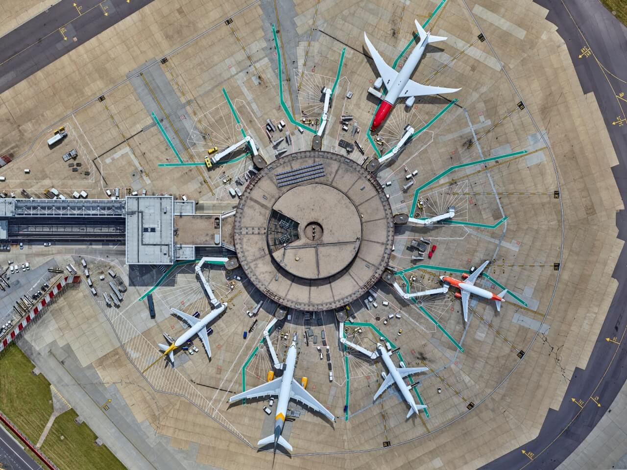 gatwick airport birds eye